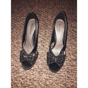 Ann Marino Shoes - black open toe side cut heels w/sequin bow